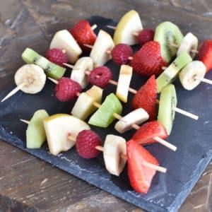 Brochette de fruits frais